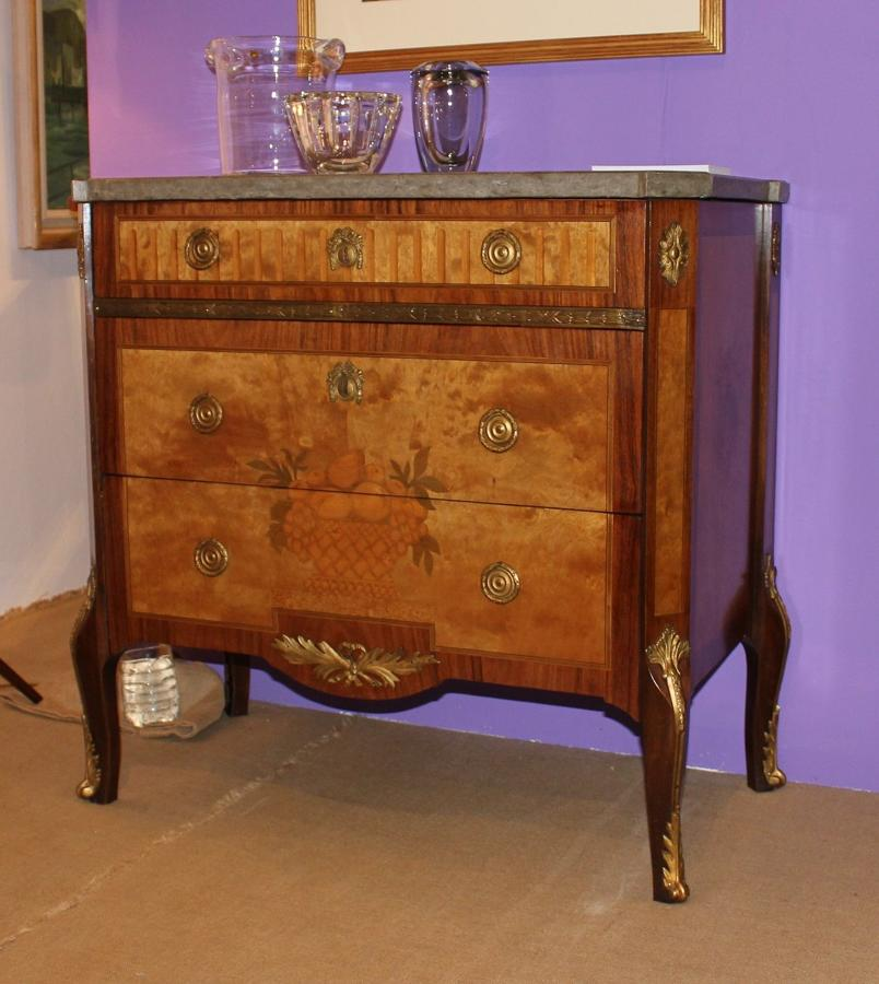 A pair of Swedish Gustavian revival commodes